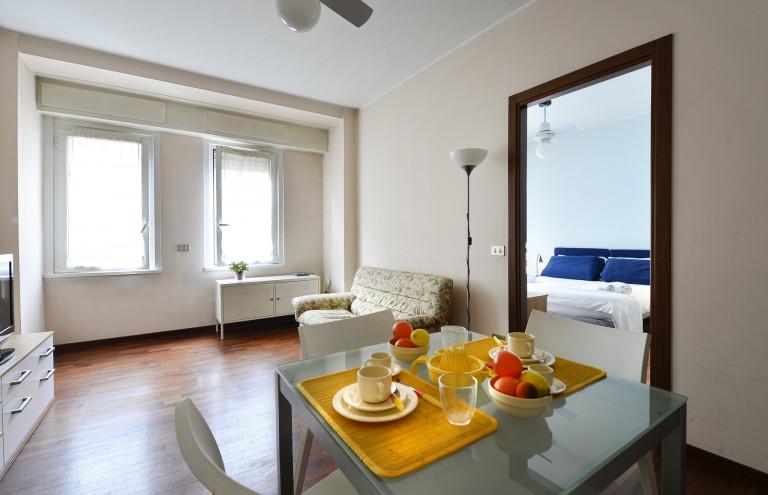 Lindo apartamento de 1 quarto para alugar em Milão