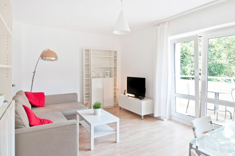 Beautiful 2-bedroom apartment available for rent in Mitte