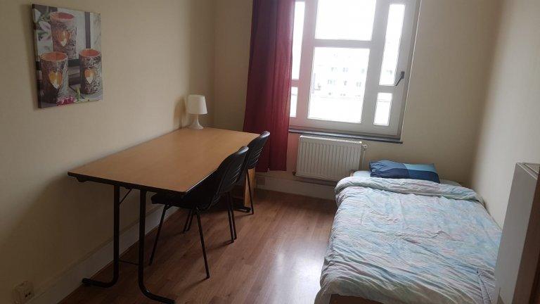 17 yatak odalı evde kiralık oda - Etterbeek, Brüksel