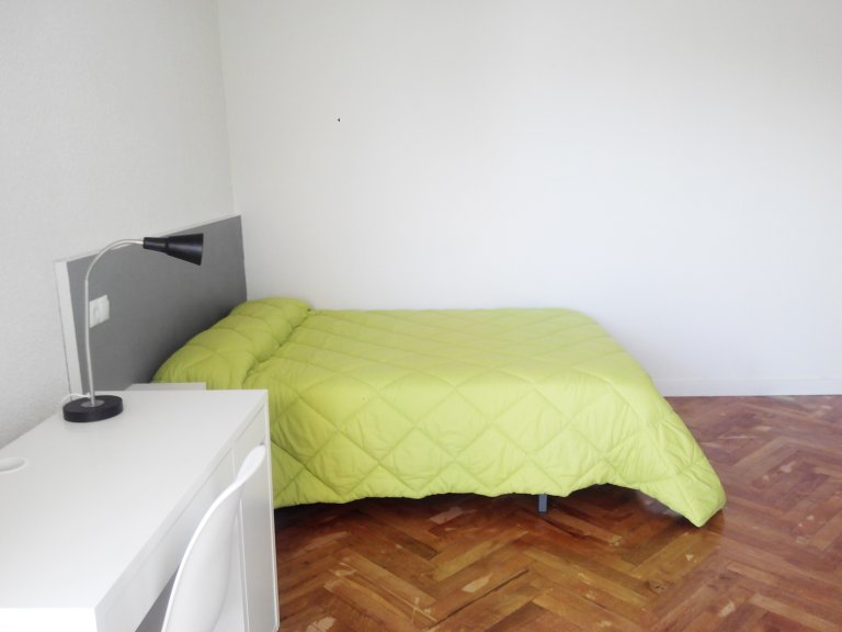 Double room for rent in apartment, Puerta del Ángel, Madrid