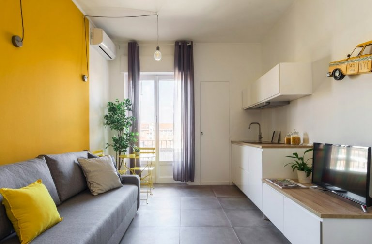 Chill apartment with 1 bedroom for rent in Corsica, Milan