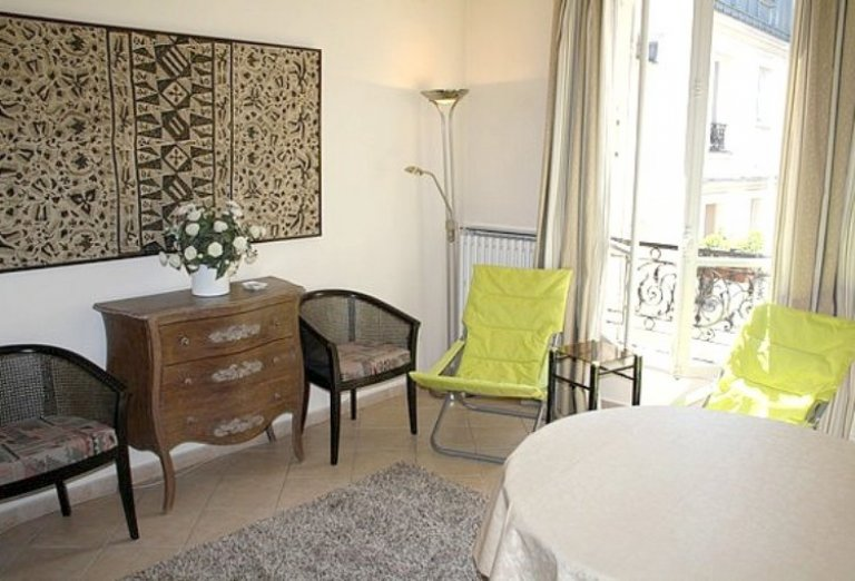 Cozy 1-bedroom apartment for rent near Arc de Triomphe in the 17th arrondissement