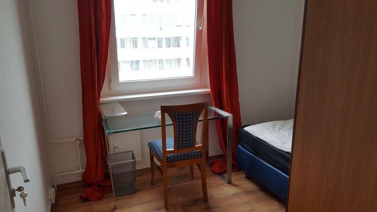 Pokój z 3 sypialniami w Friedrichshain, Berlin