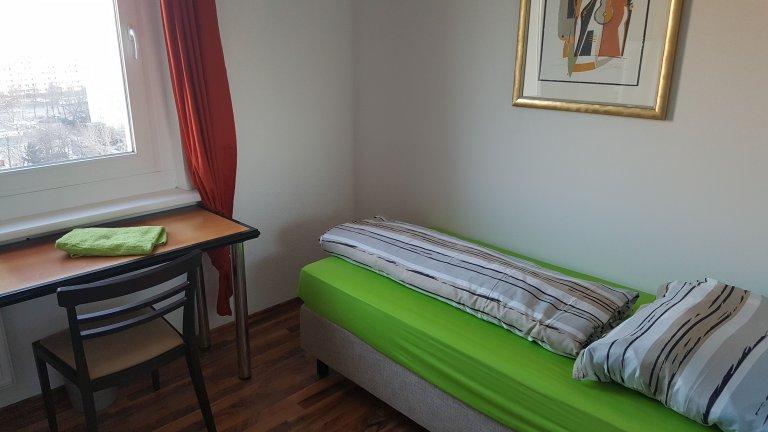 Pokój do wynajęcia, 3-pokojowe mieszkanie - Friedrichshain, Berlin