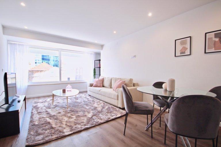 Moderno appartamento con 1 camera da letto in affitto a Campolide, Lisbona