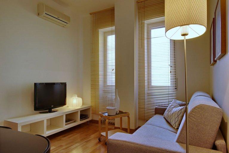 Apartamento com 1 quarto bonito para alugar em Isola, Milão