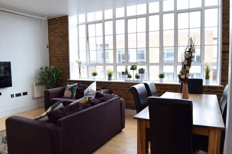 Appartement de 3 chambres à louer à Camberwell, Londres