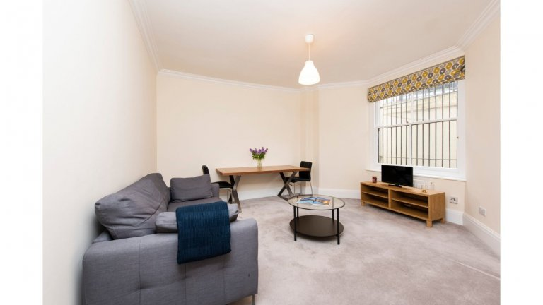 Lovely 1-bedroom flat to rent in Kensington, London