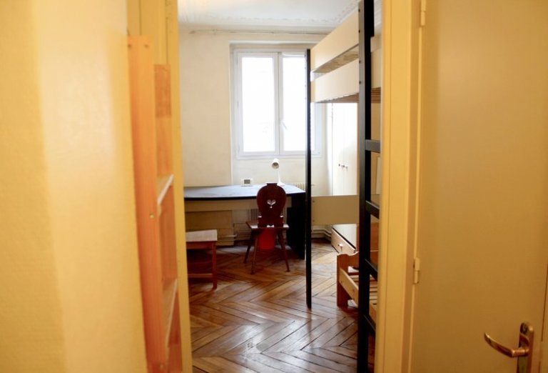 Bunk Beds in Rooms for rent in 5-bedroom apartment in the 9th arrondissement