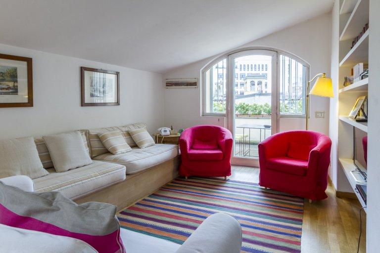 Apartamento de 3 dormitorios en alquiler en Brera, Milán
