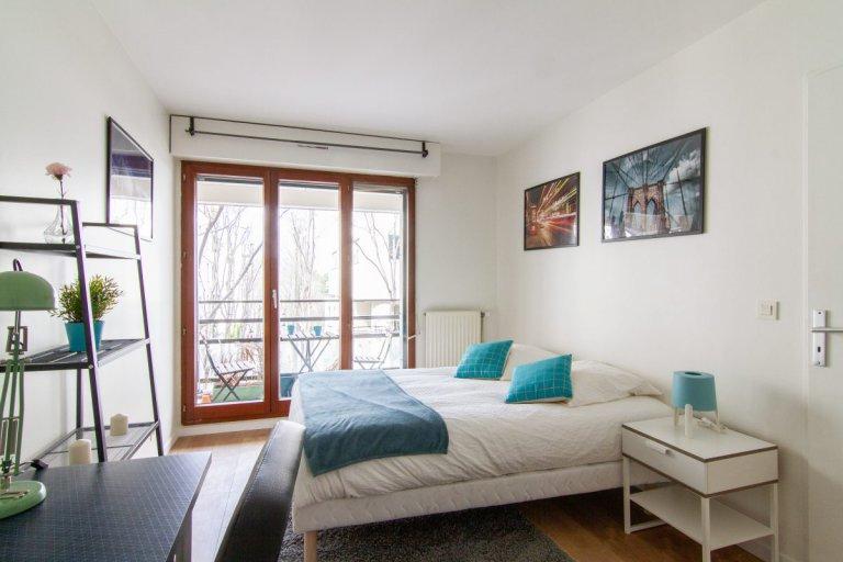 Pokój z balkonem w apartamencie z 5 sypialniami, Rueil-Malmais, Paryż