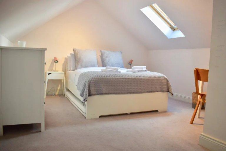 Apartamento inteiro 3 quartos em Dublin 8