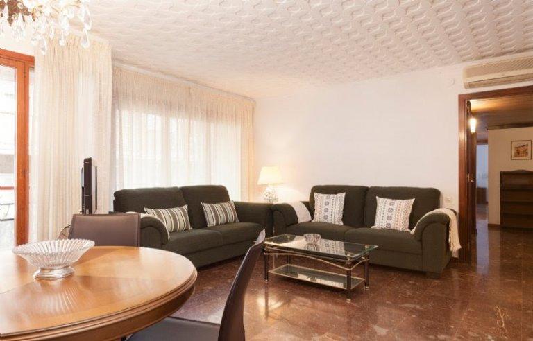 Apartamento de 4 quartos para alugar em Putxet, Barcelona