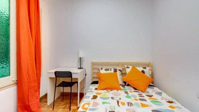 Zimmer in 10-Zimmer-Wohnung in Eixample Esquerra, Barcelona