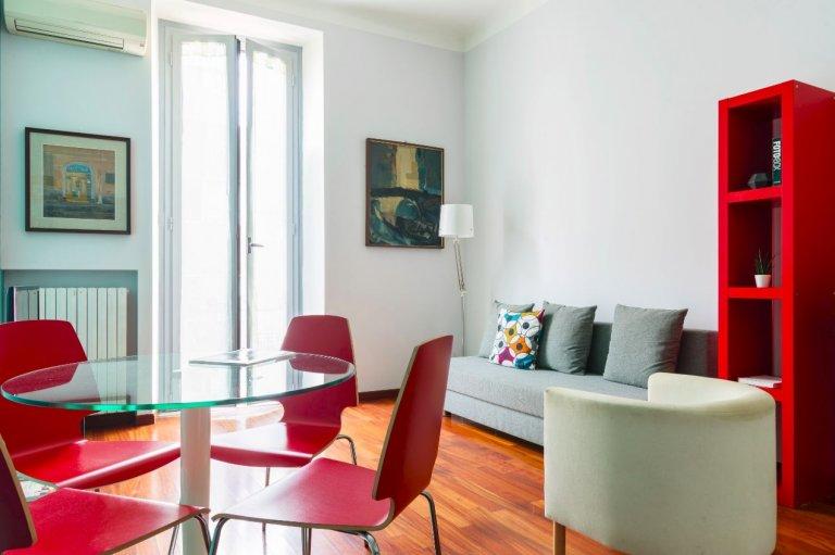 Apartamento de 2 dormitorios para alquiler en Porta Venezia, Milán