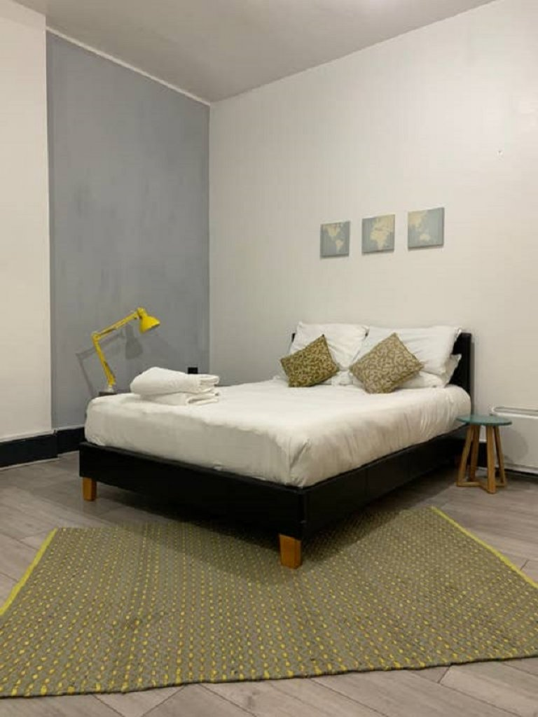 Studio flat to rent in Fitzrovia, London