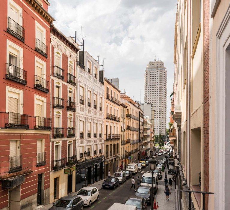 Cały apartament z 2 sypialniami w Madrycie