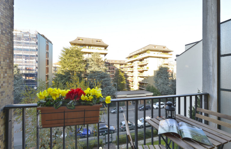 Bijou studio apartment for rent in Milan