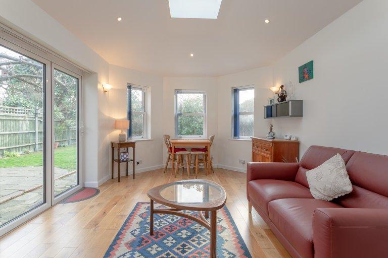 Mieszkanie z 1 sypialnią do wynajęcia w Merton w Londynie
