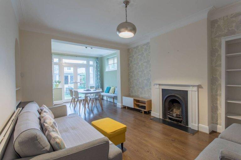 Spacieux appartement de 4 chambres à louer à Hanwell, Londres