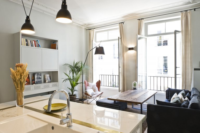 Hip appartamento con 2 camere da letto in affitto nel 2 ° arrondissement