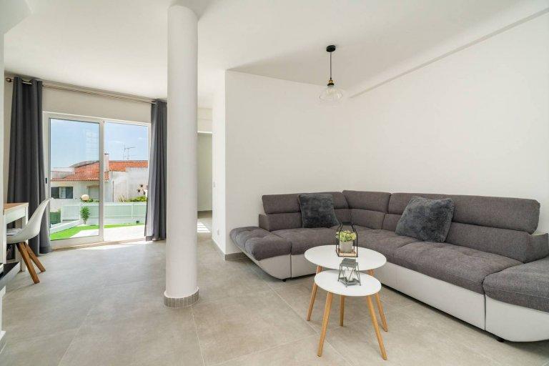 Wspaniałe 4-pokojowe mieszkanie do wynajęcia w Caparica, Lizbona