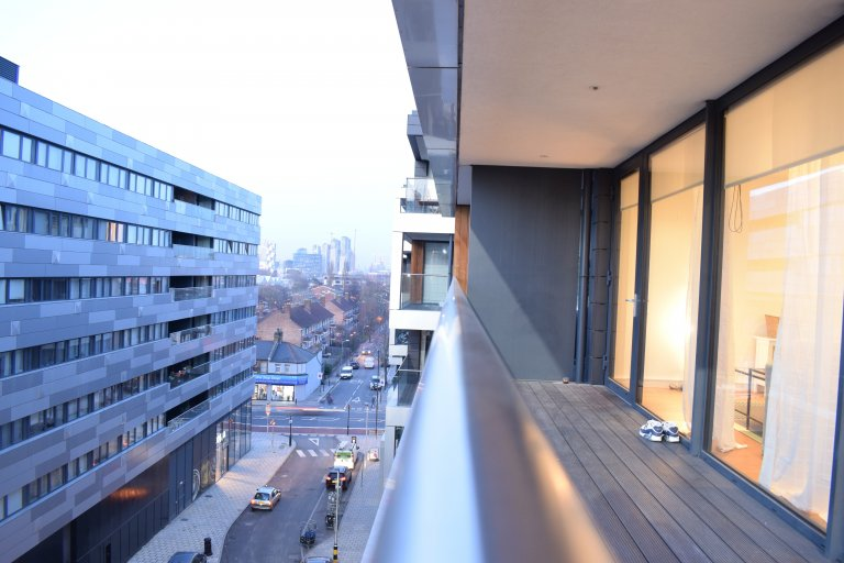 3-bedroom flat with balcony to rent in lovely Greenwich