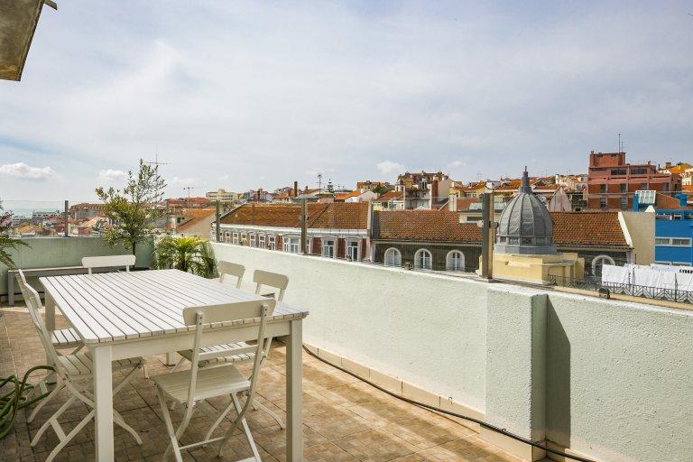 4-pokojowe mieszkanie do wynajęcia w Arroios, Lisboa