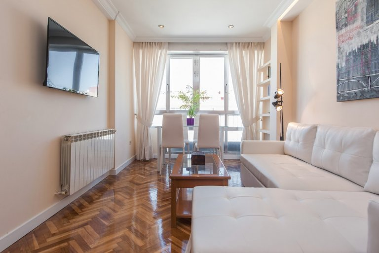 2-pokojowe mieszkanie do wynajęcia w Ciudad Lineal, Madryt