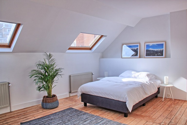 Bedroom 8 with double bed and ensuite