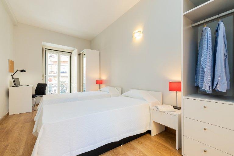 Lindo quarto para alugar em Laranjeiras, Lisboa