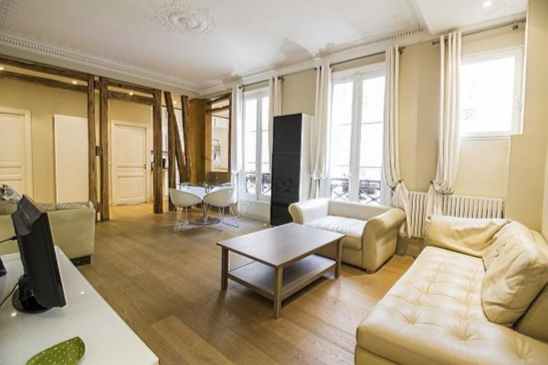 2-bedroom apartment for rent in the 8th arrondissement