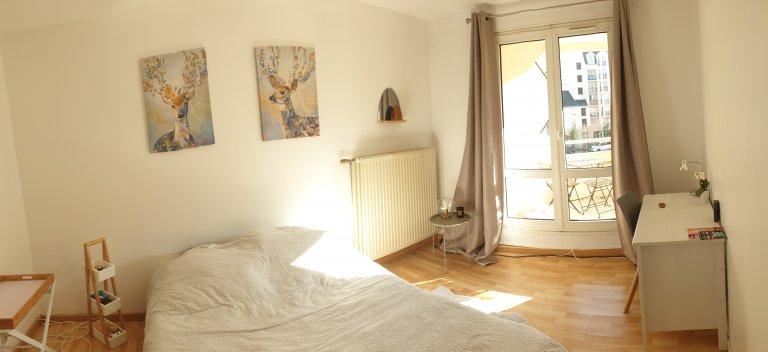Chambre à louer dans un appartement de 4 chambres à coucher à Créteil, Paris