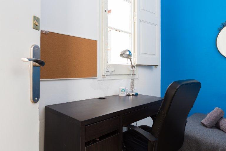 Poblenou, Barselona'da 4 odalı bir daire bulunan büyük oda