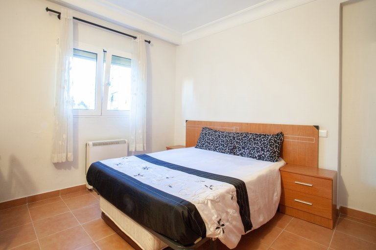 Acogedora habitación en alquiler, apartamento de 2 dormitorios, Ciudad Universidad.