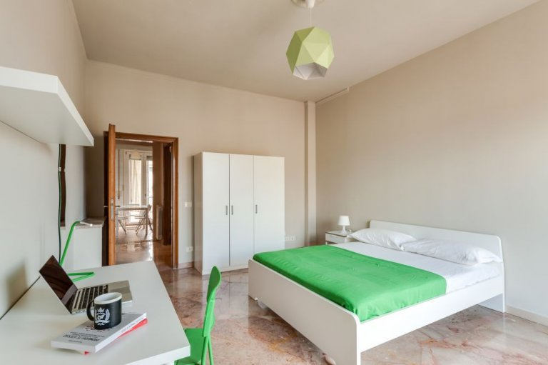 Room in 5-bedroom apartment in Rifredi, Florence