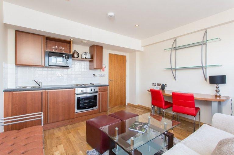Große 2-Zimmer-Wohnung in Kensington, London zu vermieten