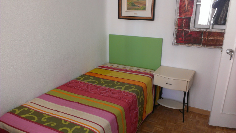 Bedroom 6 - single bed