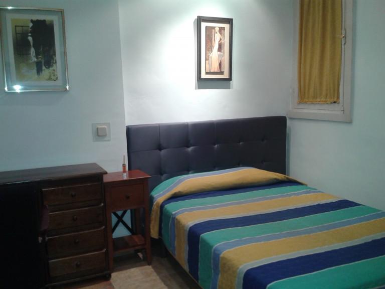 Bedroom 14 - single bed