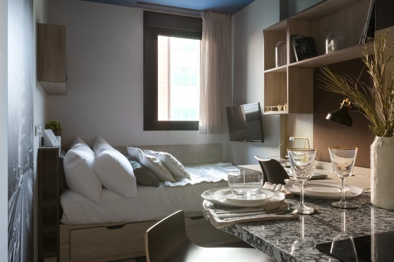 Beautiful studio apartment for rent in Les Corts Barcelona.
