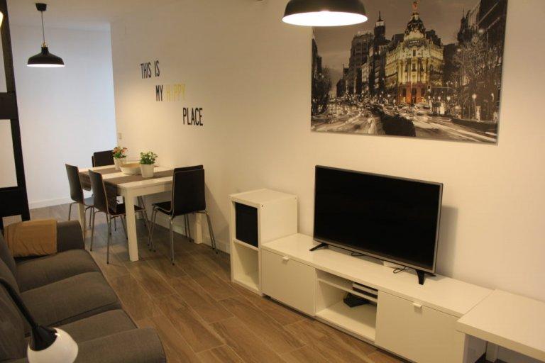 Nowoczesne 6-pokojowe mieszkanie do wynajęcia w Centro, Madryt