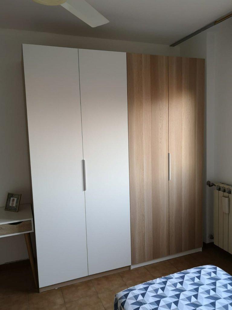 Alquiler de camas en habitación compartida, apartamento de 3 dormitorios en Stadera