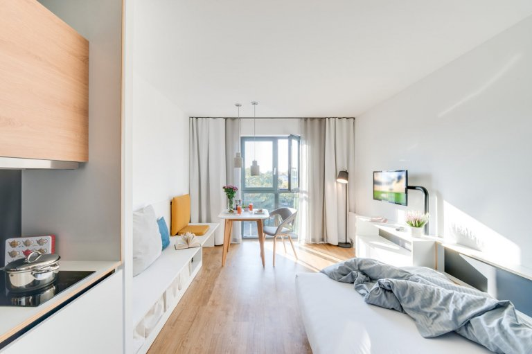 Sunlit studio apartment for rent in Lichtenberg, Berlin