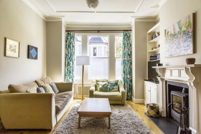 4-bedroom house to rent in Lambeth, London