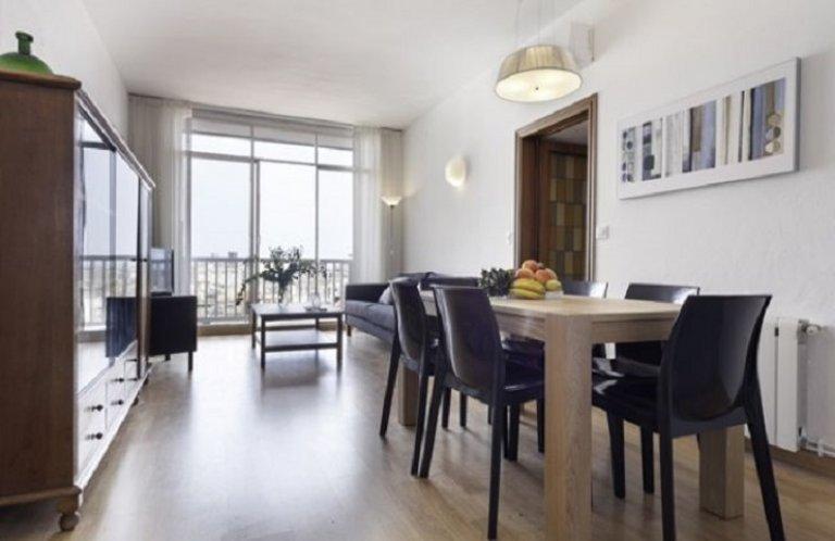 3-bedroom apartment for rent in Sant Antoni, Barcelona