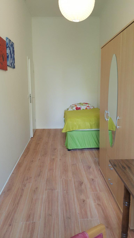 Quarto para alugar em apartamento com 6 quartos em Moabit, Berlim