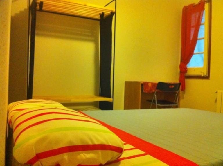 Alquiler de habitaciones en piso de 2 habitaciones en Vila De Gràcia
