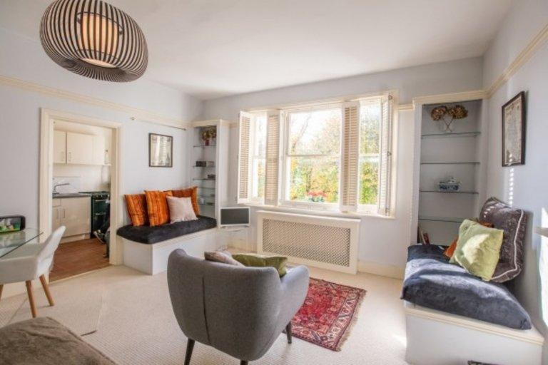 Stilvolle Studio-Wohnung in Kensington, London zu vermieten