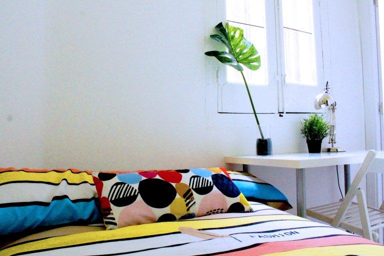 Freundliches Zimmer zu vermieten in Lavapiés, Madrid