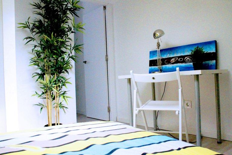 Attraktives Doppelzimmer zur Miete in Lavapiés, Madrid
